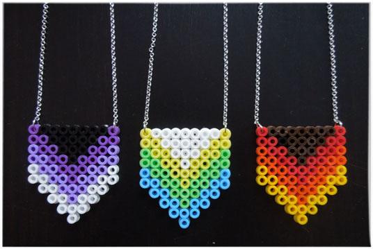 /home/sacripanuv/modeles hama.com/wp content/uploads/2016/08/160812 collier perles hama beads midi
