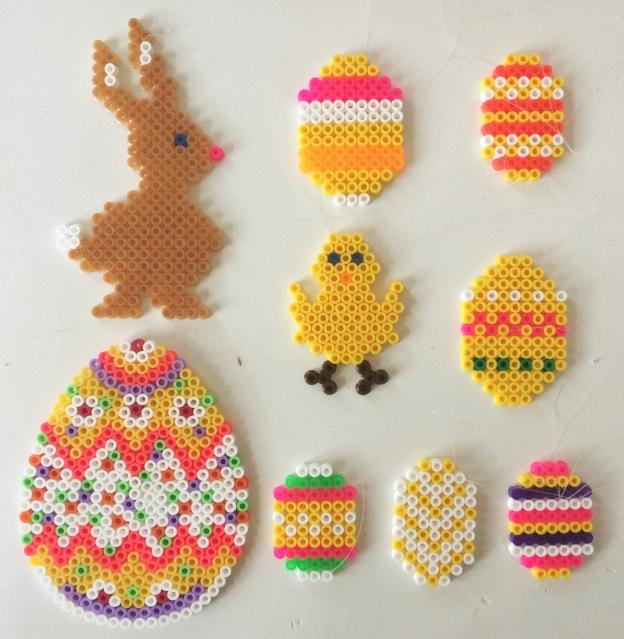 /home/sacripanuv/modeles hama.com/wp content/uploads/2016/09/160930 paques oeufs perles hama repasser lapin