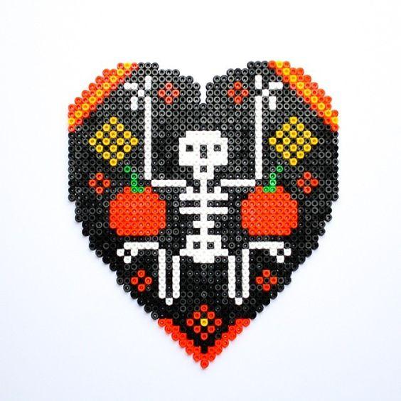 halloween-perles-a-repasser-hama-coeur-skull