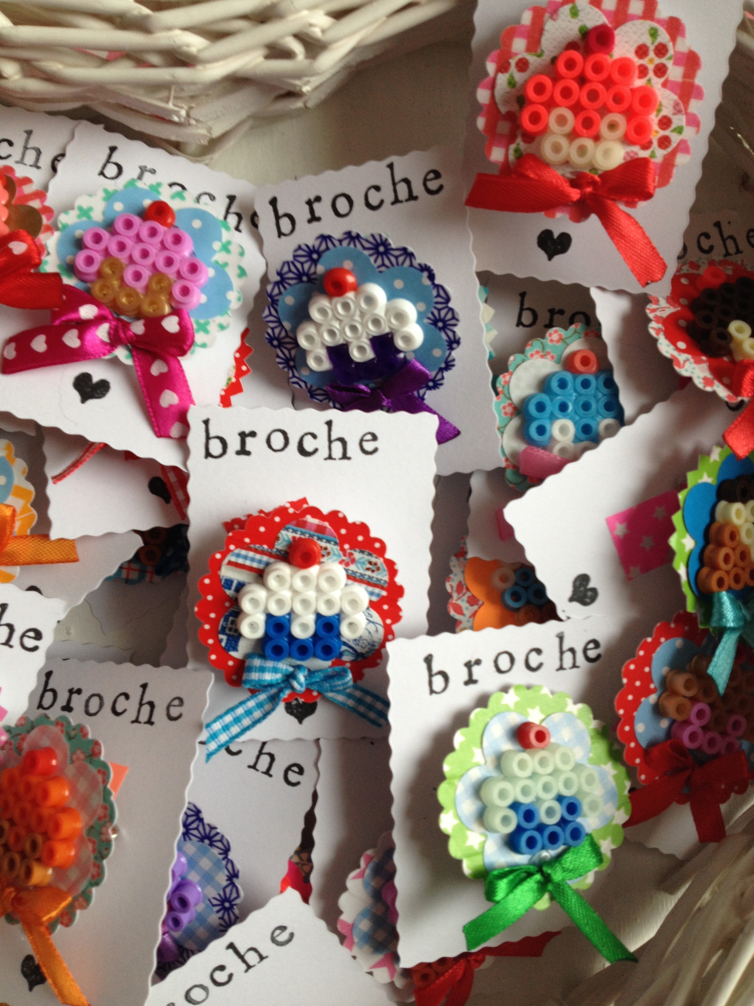 broche-cupcakes-perles-hama-repasser
