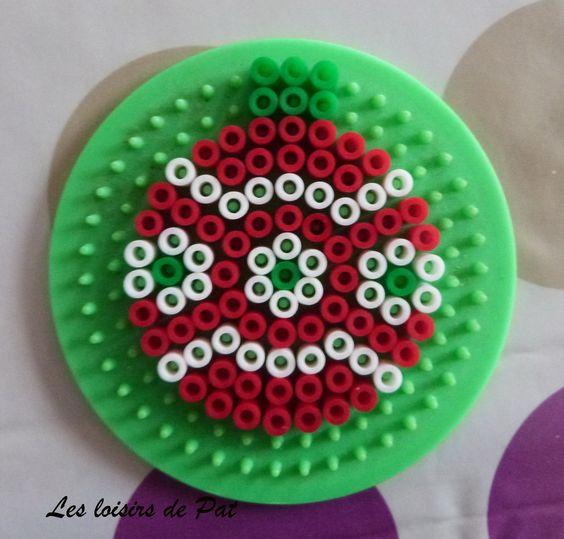 boules-noel-christmas-suspension-perler-beads-perles-hama-a-repasser
