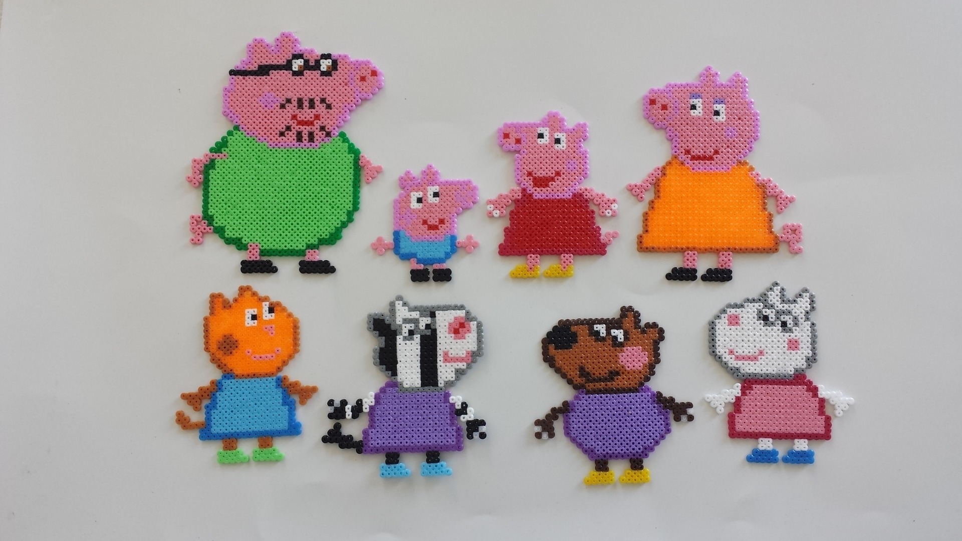 peppa pig la famille cochon en perles hama mod les hama. Black Bedroom Furniture Sets. Home Design Ideas