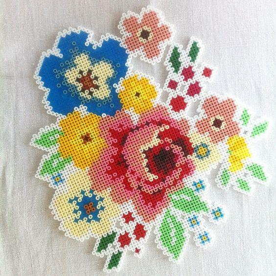 Dites Le Avec Des Fleurs Et En Perles à Repasser Modèles Hama
