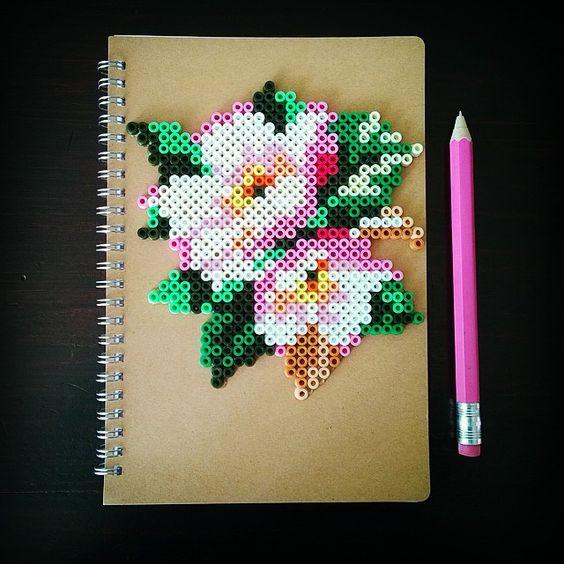 fleurs-perles-hama-a-repasser-carnet